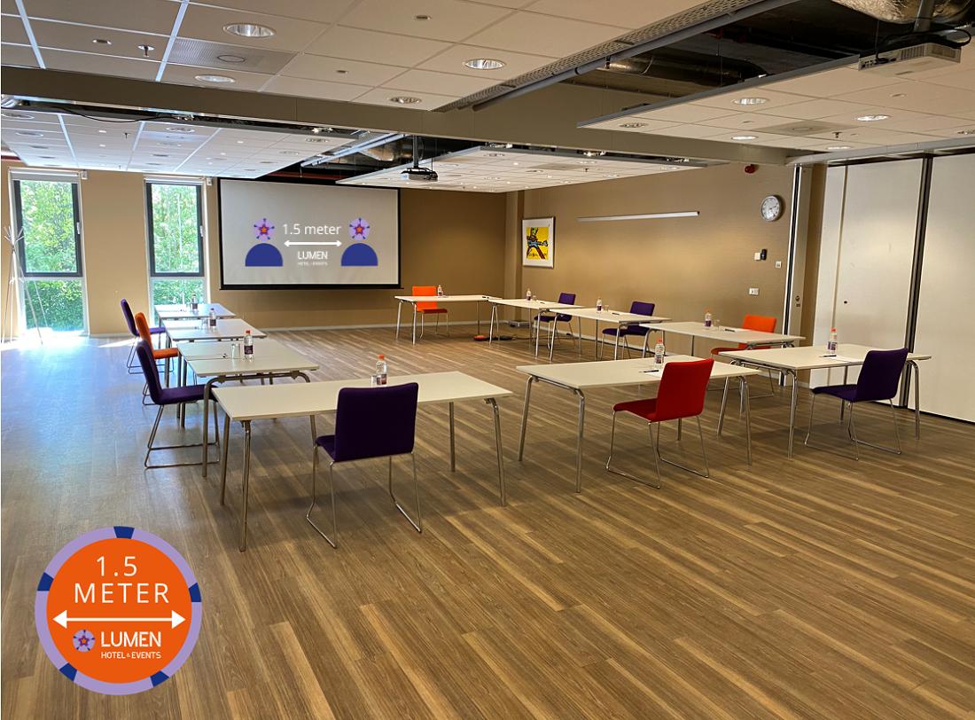 meetingroom 1.5 meter